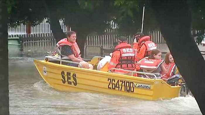 80 rescued in Queensland from Australia floods