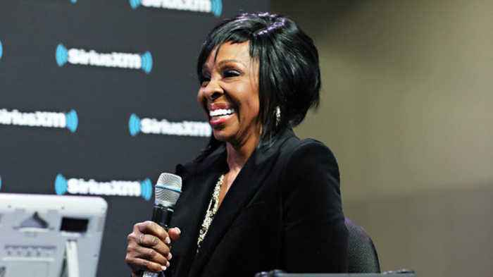 Super Bowl LIII: Gladys Knight And Chloe X Halle Kick Things Off With Pristine Performances   Billboard News