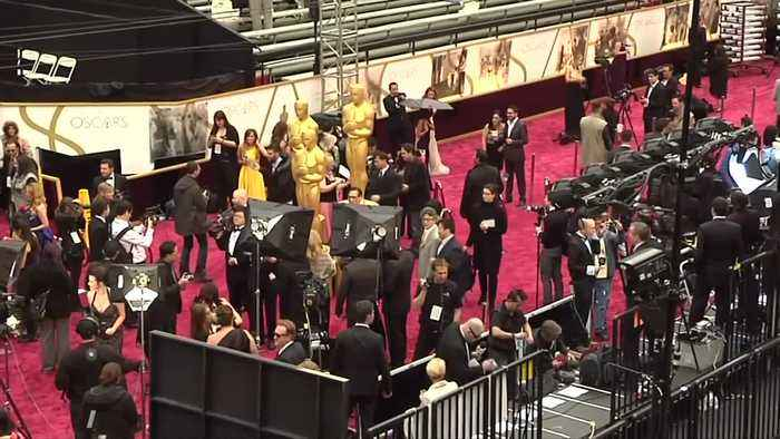 Oscars show to go hostless - for only second time