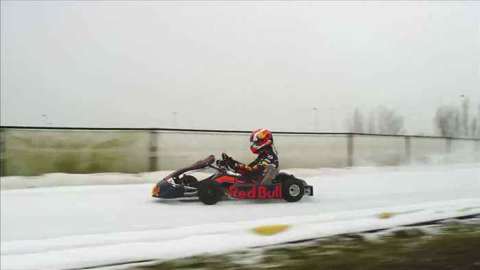 Driving on Ice - Formula One racers go full throttle on unusual surface
