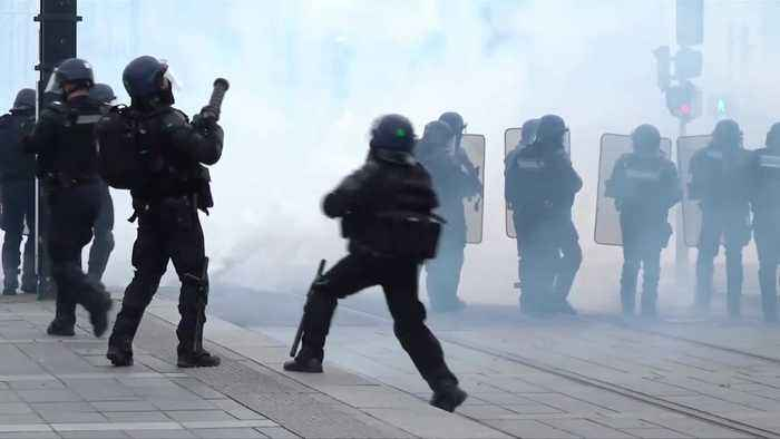 French 'Yellow vests' clash with police in Nantes