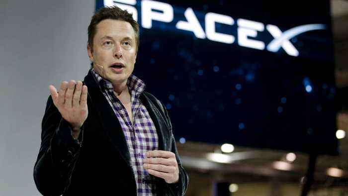 Elon Musk Talks About Low-Cost Travel To Mars