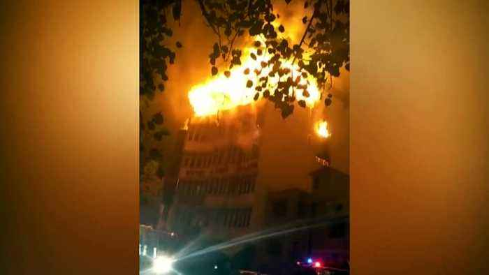 17 people die after inferno rips through New Delhi hotel