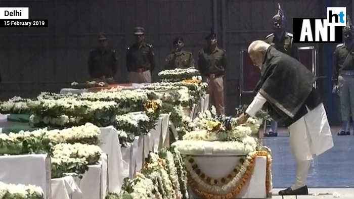 PM Modi, Rahul Gandhi pay tribute to killed CRPF jawans