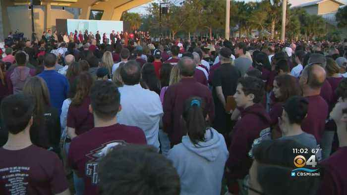 Thousands Attend Prayer Service Held To Remember Parkland Victims
