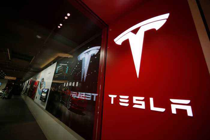 Tesla's Work Culture Claims Latest Victim: General Counsel