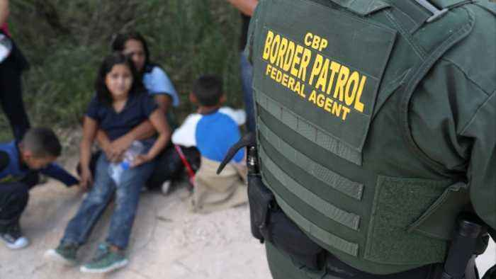 Report Says Migrant Families Still Being Separated at Border