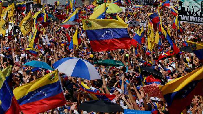 Venezuela Convoy Heads to Colombia Border As Maduro Threatens to Close It