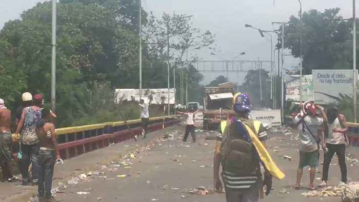 Protesters Clash with Security Forces at Colombia-Venezuela Border