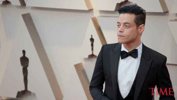 Rami Malek Arrives On The Red Carpet At The 2019 Academy Awards