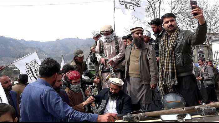 What do we know about armed groups in Kashmir?
