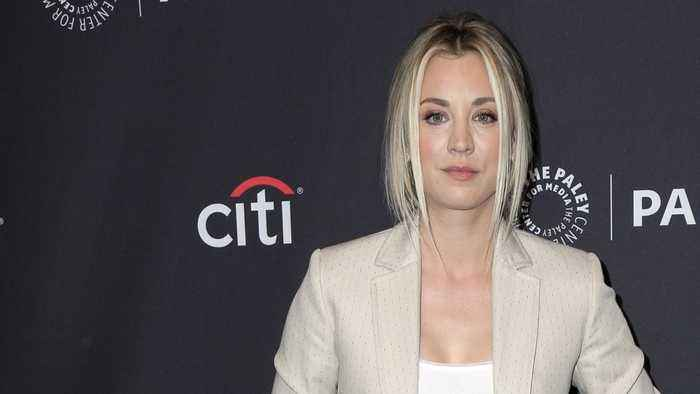 'Big Bang Theory' Star Kaley Cuoco Posts Throwback Photo Of The Cast