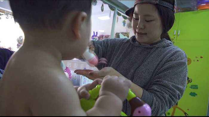 After one-child policy, China pushes women to have more babies