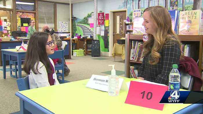 Upstate students prepare for their first job interview