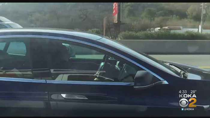Video Shows Tesla Driver Apparently Asleep At The Wheel