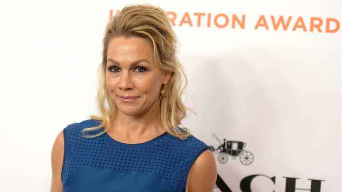 Jennie Garth Responded To Hater Criticizing Her About Luke Perry