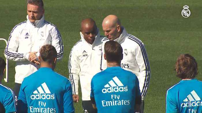 Zidane returns to Real's training pitch