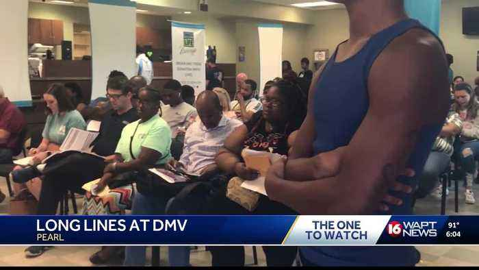 Long lines form at Pearl DMV