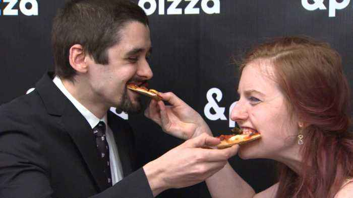 Web Extra: Cambridge Couple Renews Vows At Pizza Shop On Pi Day