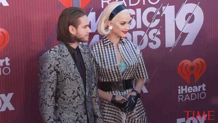 Taylor Swift and Katy Perry Walk the Red Carper at the 2019 iHeartRadio Music Awards