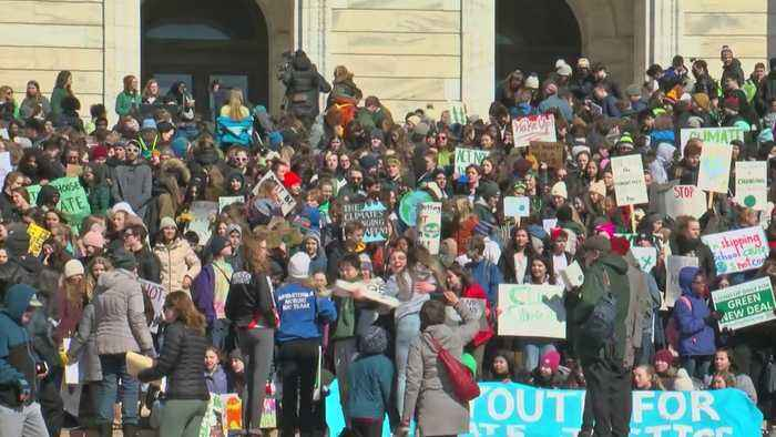 Minnesota Students Gather To Demand Climate Change Response