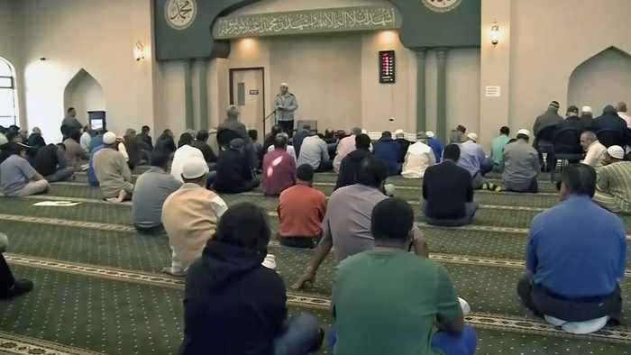 Bay Area Muslims Gather for Prayer, Mourning Following Massacre in New Zealand