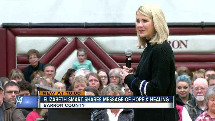 Elizabeth Smart visits Barron, Wis. to give advice to Jayme Closs' community