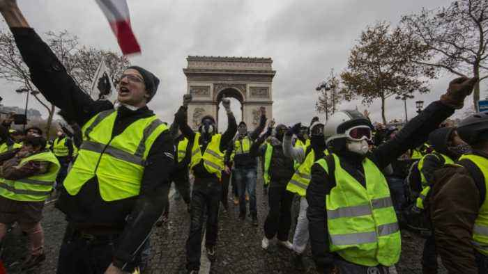 France Bans Some Yellow Vest Protests After Riot