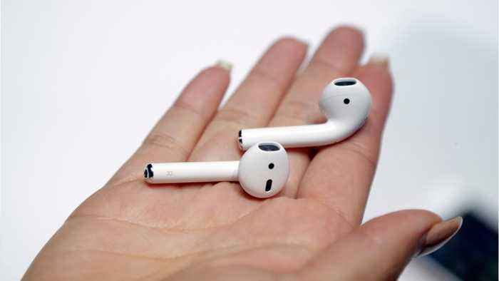 Apple Releases New Air Pods