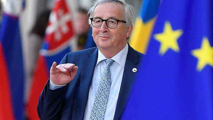 'Are you Theresa May?': Juncker jokes with journalists ahead of Brexit talks