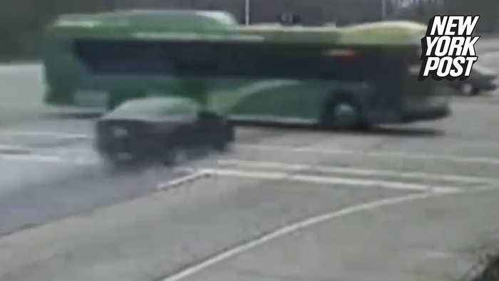 3 teens dead after speeding car smashes into bus