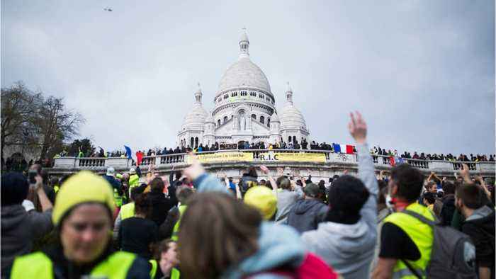 Clashes Break Out As 'Yellow Vest' Protests Continue For 19th Consecutive Week