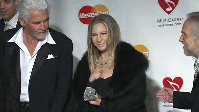 Barbra Streisand apologises for comments about Michael Jackson accusers