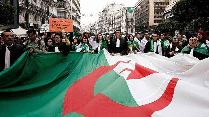 Abdelaziz Bouteflika: Algeria's army chief withdraws support for under-fire president