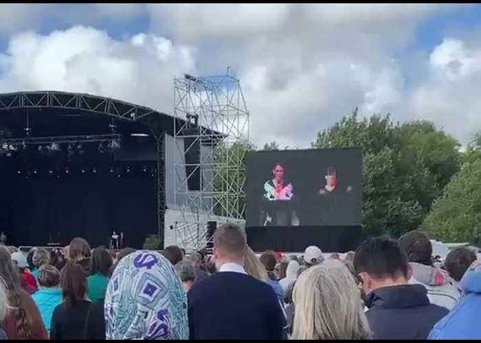 Ardern Says Racism and Extremism 'Not Welcome Here' in Christchurch Remembrance Address