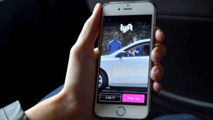 What Do Past Tech IPOs Tell Us About Lyft's Public Debut?