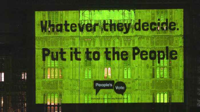 People's Vote projects 'Put it to the people' onto Parliament
