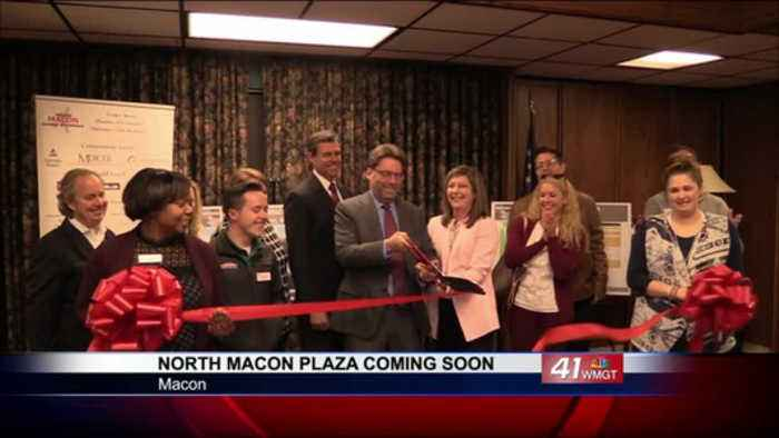Chamber of Commerce holds ribbon cutting for North Macon Plaza
