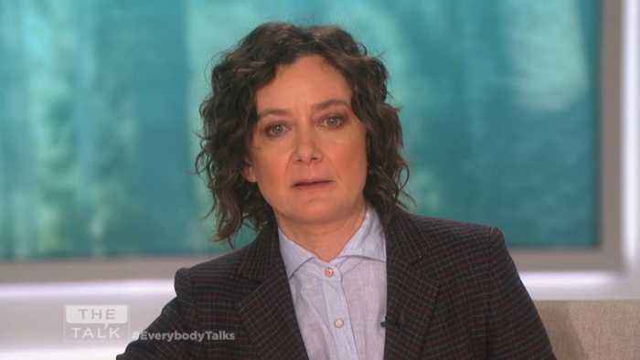 The Talk - REAKING NEWS: Sara Gilbert Announces She's Leaving 'The Talk' After Season 9; 'This is hard'