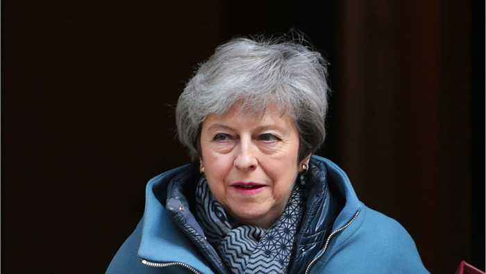 May Considers Letting Lawmakers Create Brexit Deal