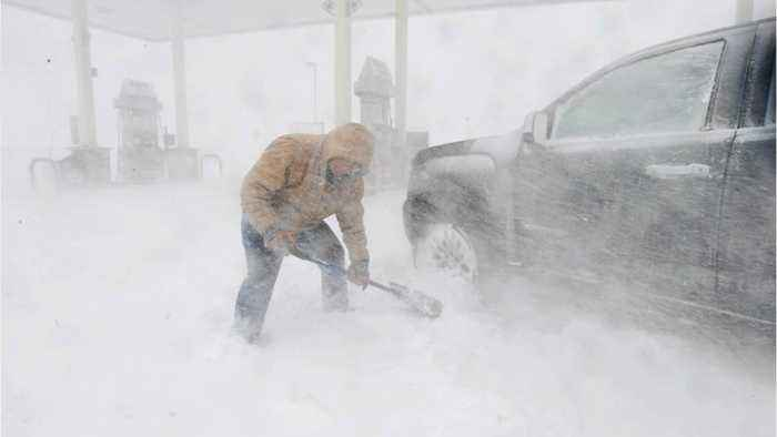 Blizzards And Floods Threaten US Plains And Midwest Region