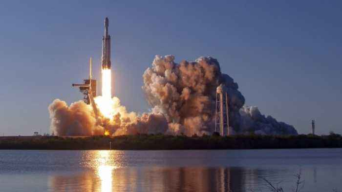 SpaceX Launches Falcon Heavy on First Commercial Mission