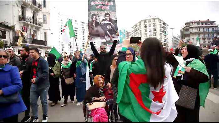 Algerians take to the streets as anger mounts at interim leader