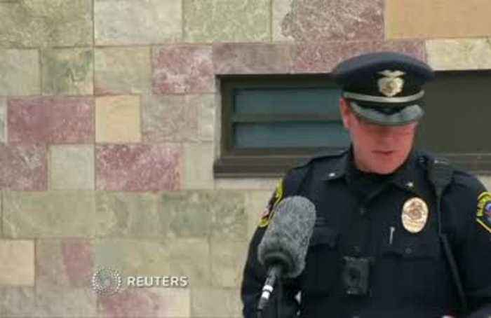 Child thrown from MN mall balcony alive: Police