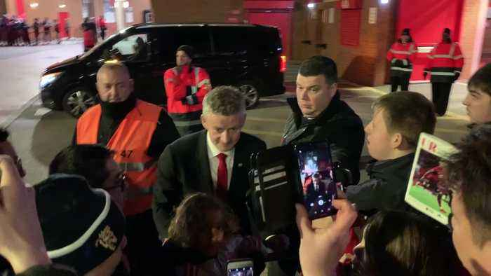 Ole Gunnar Solskjær meets supporters after West Ham win