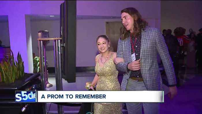 Indians' Mike Clevinger guest at 9th annual 'A Prom to Remember' for teens fighting cancer