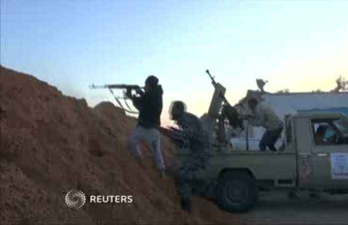 Battle for Tripoli rages on south of the city