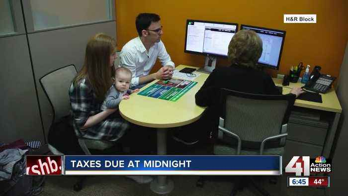 Tax day: Is it better to file today, or ask for an extension?