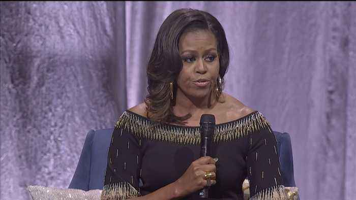 Michelle Obama charms British crowd with praise for Queen Elizabeth