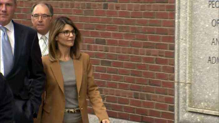 Actress Lori Loughlin, Husband Mossimo Giannulli Plead Not Guilty in College Scam
